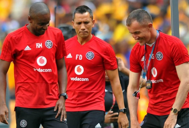 Fadlu Davids rallies Orlando Pirates players, coaches and supporters
